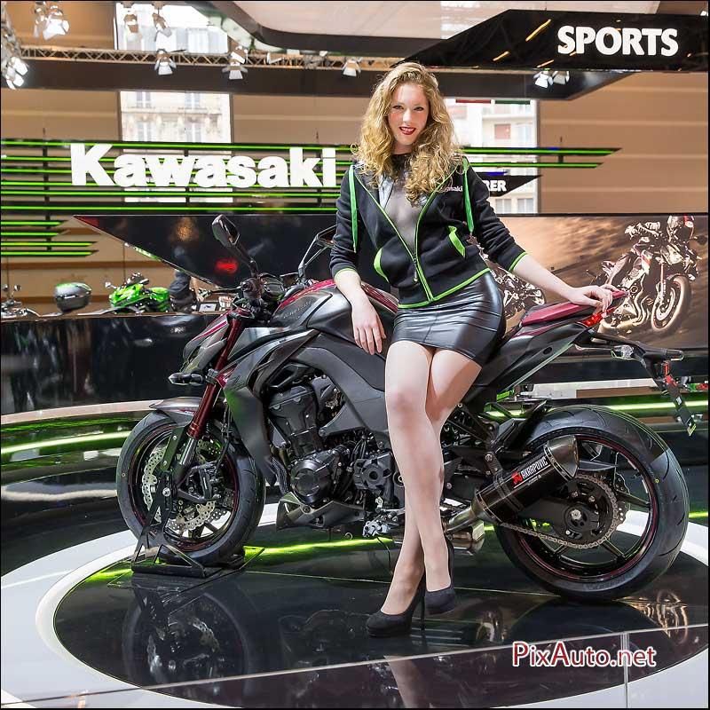 Salon de la moto du scooter de kawa kawasaki for Hotesse salon moto