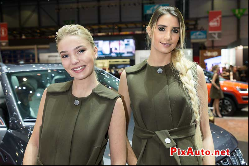 Salon-de-Geneve 2017, Hotesses Stand Jeep